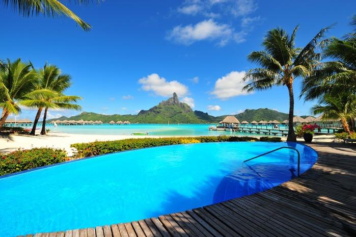 Остров Бора-Бора - жемчужина Тихого океана с перламутровой лагуной 96933