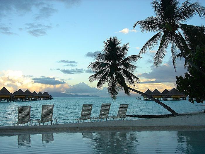 Остров Бора-Бора - жемчужина Тихого океана с перламутровой лагуной 70290