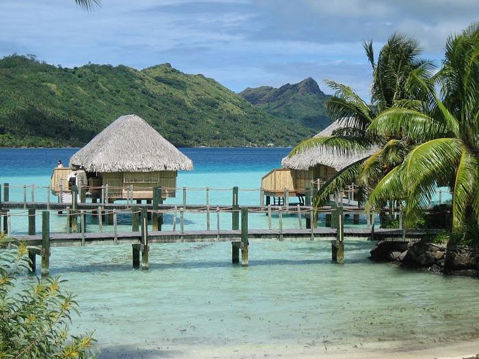 Остров Бора-Бора - жемчужина Тихого океана с перламутровой лагуной 83025