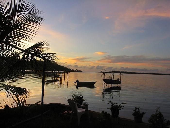 Остров Бора-Бора - жемчужина Тихого океана с перламутровой лагуной 54188