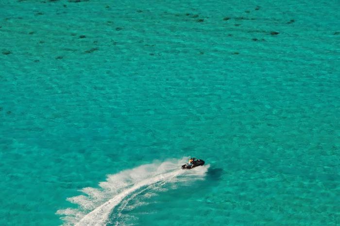 Остров Бора-Бора - жемчужина Тихого океана с перламутровой лагуной 33523