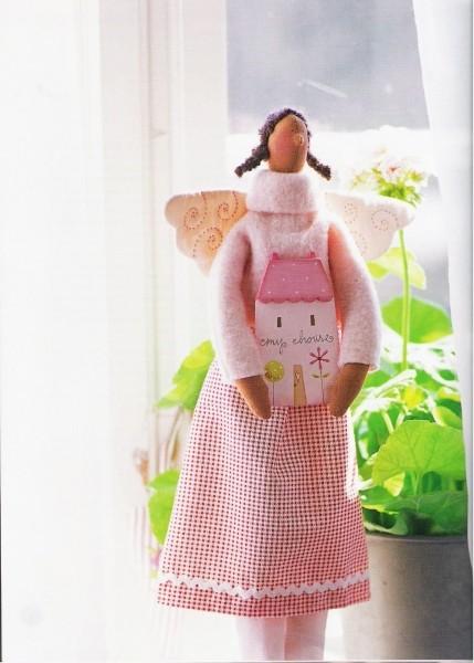 Примитивные игрушки с выкройками. 61207665_1278394328_La_Maison_de_Tilda_66