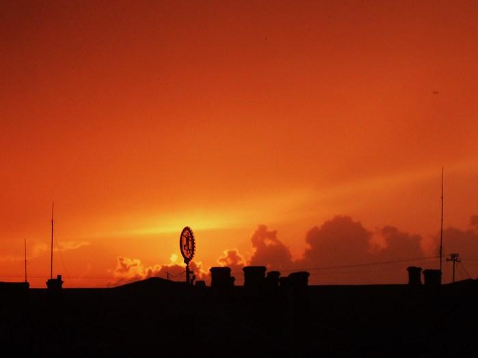 закат очумелый, демоническое солнце, апокалипсис уже за тобой