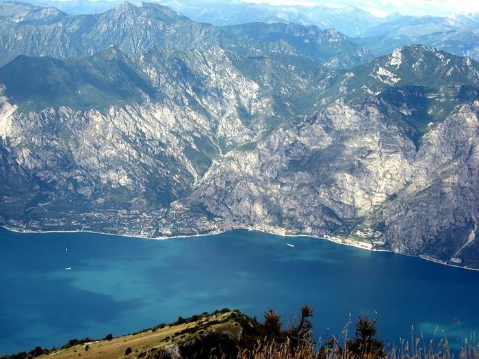 Озеро Гарда – cапфир в ожерелье озер Италии. 95082