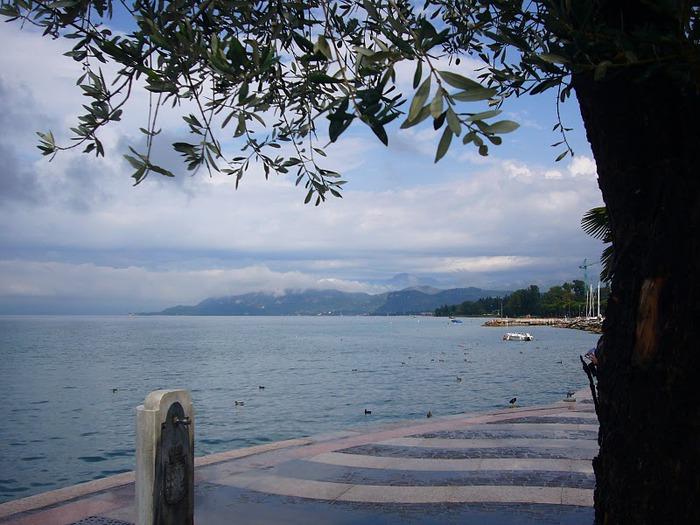 Озеро Гарда – cапфир в ожерелье озер Италии. 56575