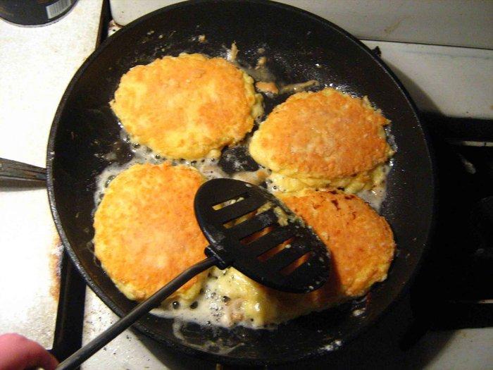 сырные лепешки по чешски на сковородке