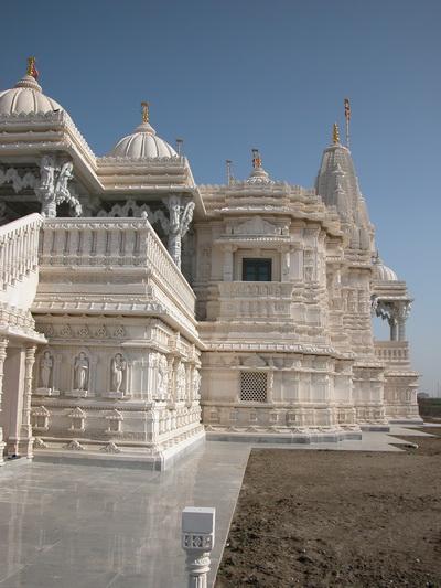 «Шри Сваминараян Мандир» – красивейший индуистский храм в Канаде