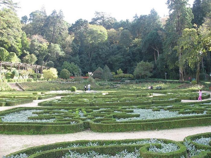 Дворец удовольствий в окружении леса Буссакo 91237
