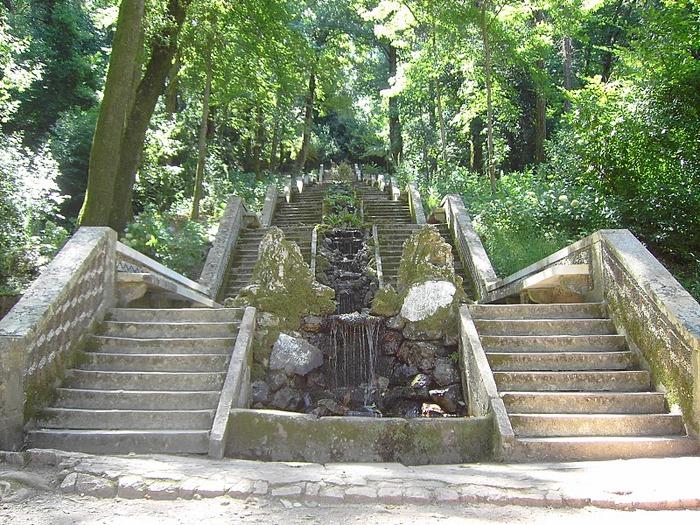 Дворец удовольствий в окружении леса Буссакo 33655