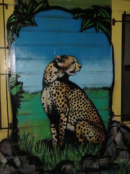 Стрит-арт (англ. Street art — уличное искусство) 45217