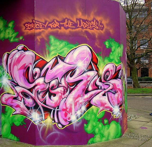 Стрит-арт (англ. Street art — уличное искусство) 64414