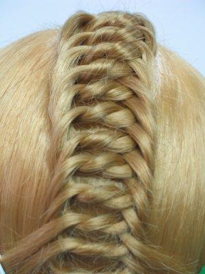 Необычное плетение волос