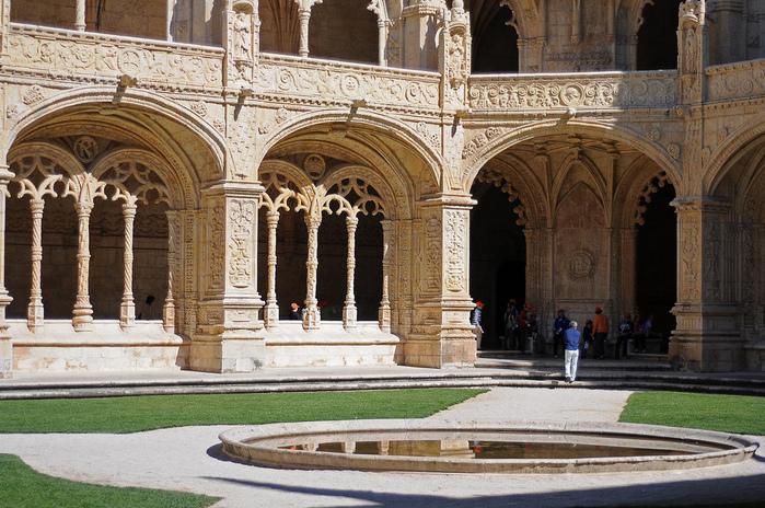 Монастырь Жеронимуш - жемчужина Португалии . 40843