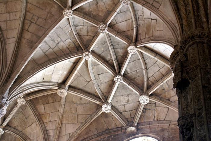 Монастырь Жеронимуш - жемчужина Португалии . 26508
