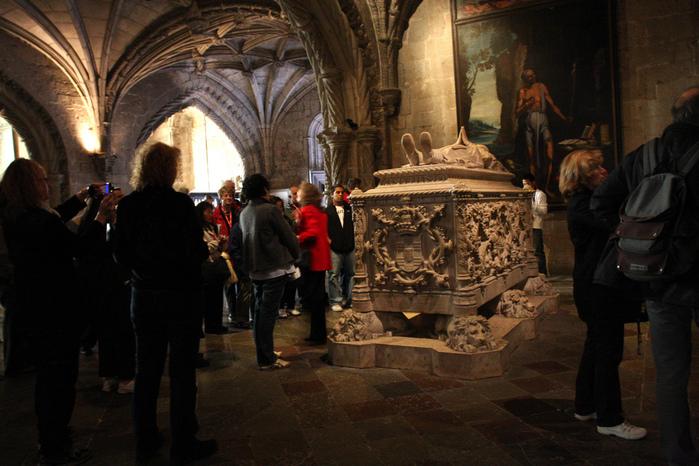 Монастырь Жеронимуш - жемчужина Португалии . 57172