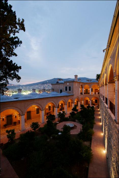 Имарет – великолепная старинная греческая гостиница