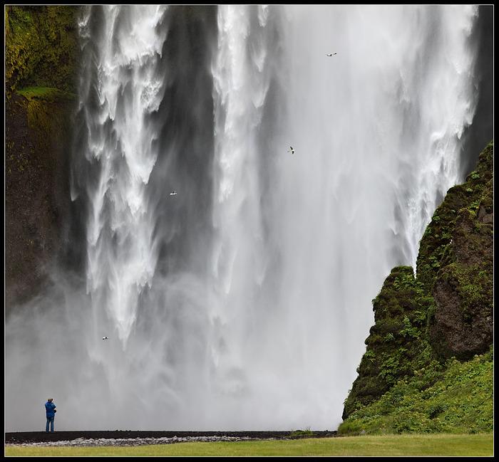 http://img0.liveinternet.ru/images/attach/c/1//61/927/61927713_1280047322_vodopad__Skogafoss__Islandiya.jpg