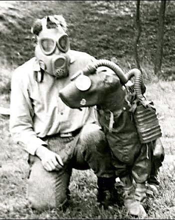 собака в костюме химзащиты и в противогазе фот времен войны