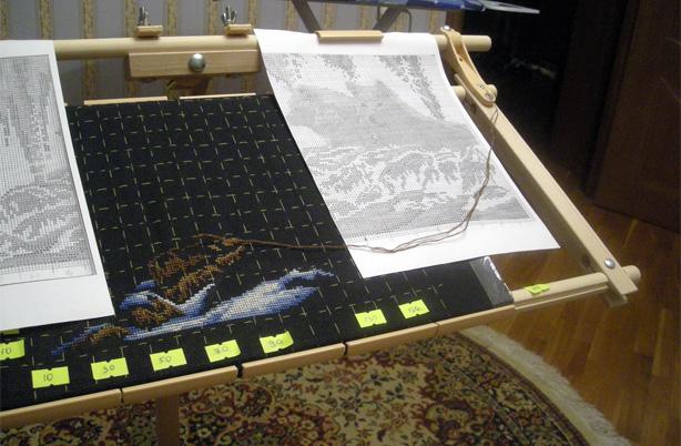 вышивка на черной канве