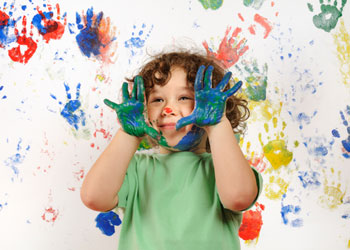 62579136_1281516082_child_paint_02.jpg