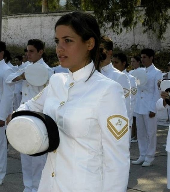 women_in_uniform_16