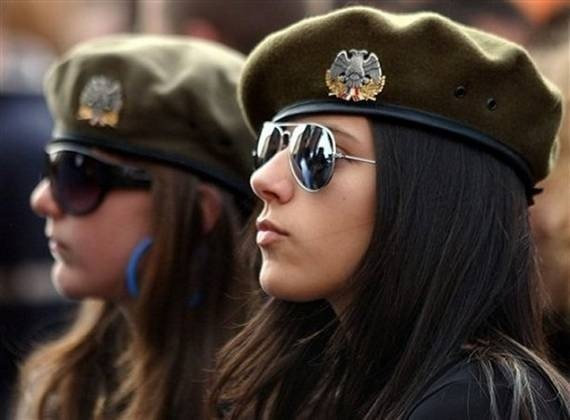 women_in_uniform_25