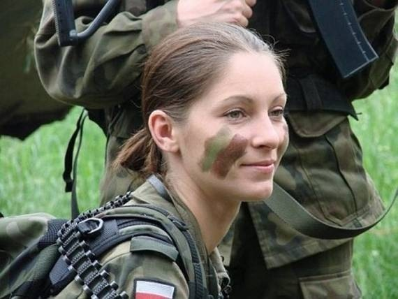 women_in_uniform_33