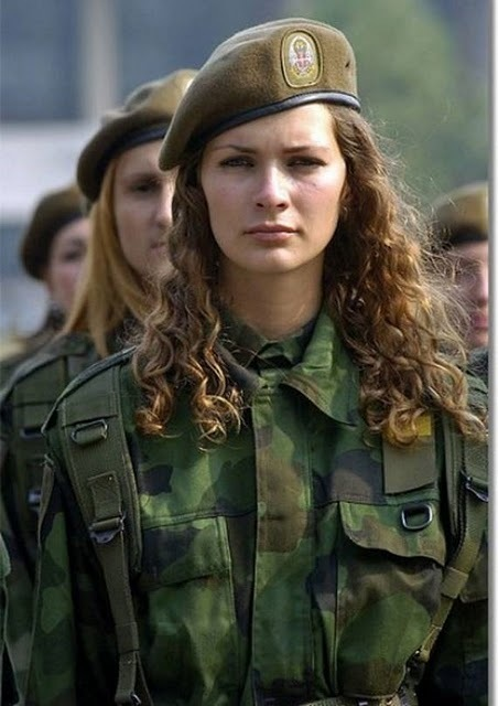 women_in_uniform_37
