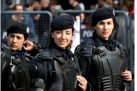 women_in_uniform_41