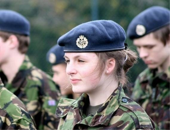 women_in_uniform_42