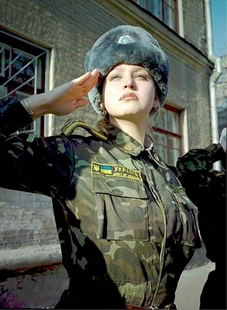 women_in_uniform_43