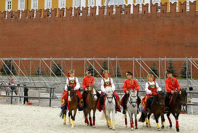 """Подготовка к военно-музыкальному фестивалю """"Спасская башня"""", 30 августа 2010 года."""