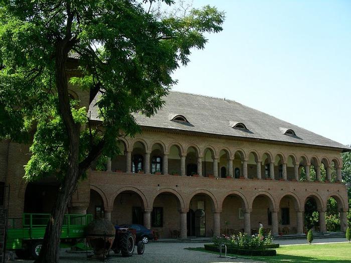 Дворец Могошоая - Palatul Mogosoaia 23719