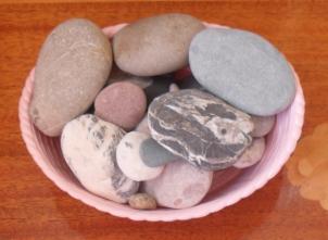 (302x221, 164Kb)Тут мергели, песчаники с гиероглифами, кварциты, мрамор, яшмоиды... А теперь-то с ними что делать?