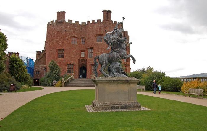 Замок Powis Castle, графство Поуис. 88624