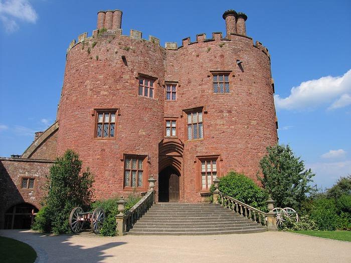 Замок Powis Castle, графство Поуис. 91137