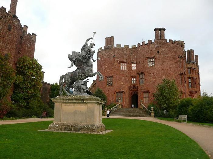 Замок Powis Castle, графство Поуис. 18715