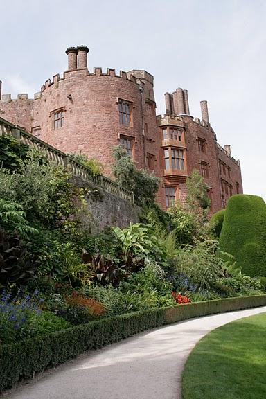 Замок Powis Castle, графство Поуис. 77154