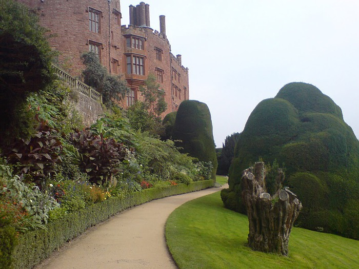 Замок Powis Castle, графство Поуис. 18776