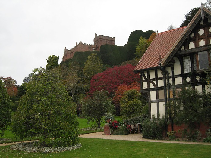 Замок Powis Castle, графство Поуис. 20436