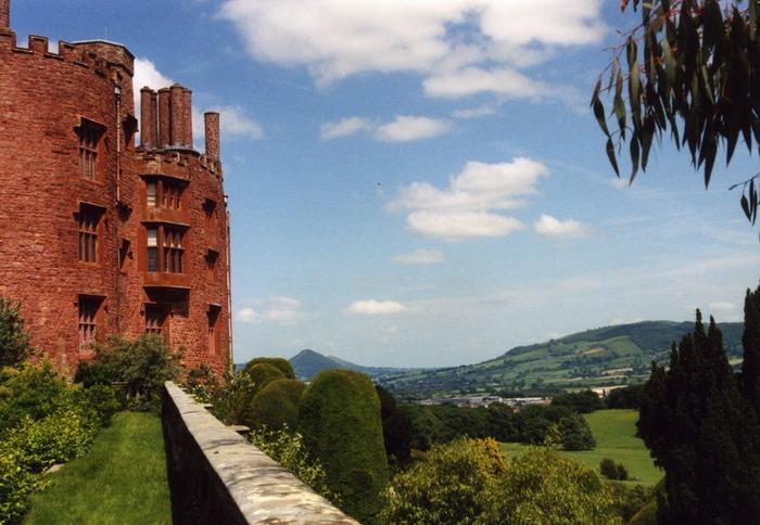 Замок Powis Castle, графство Поуис. 69706