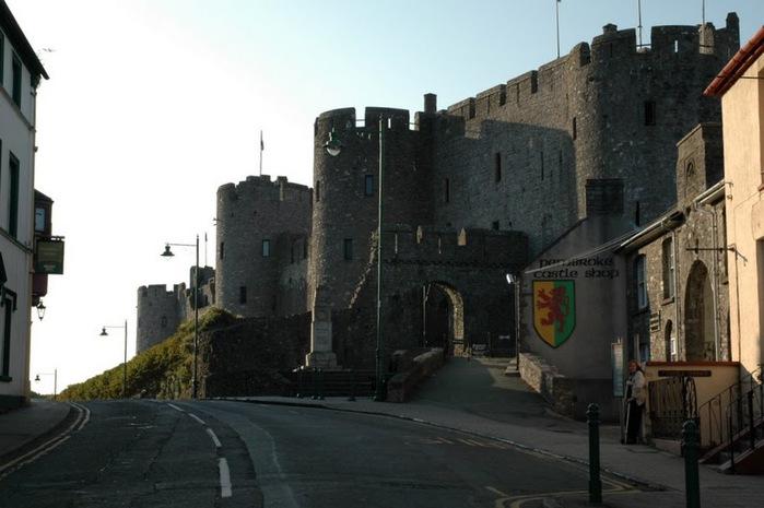 Замок Пембрук в Уэльсе 78569