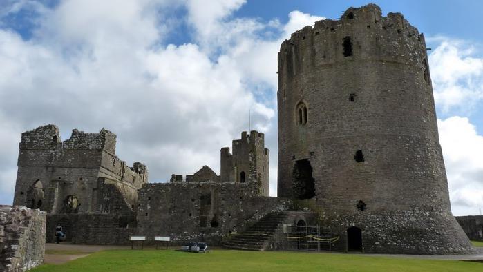 Замок Пембрук в Уэльсе 31574