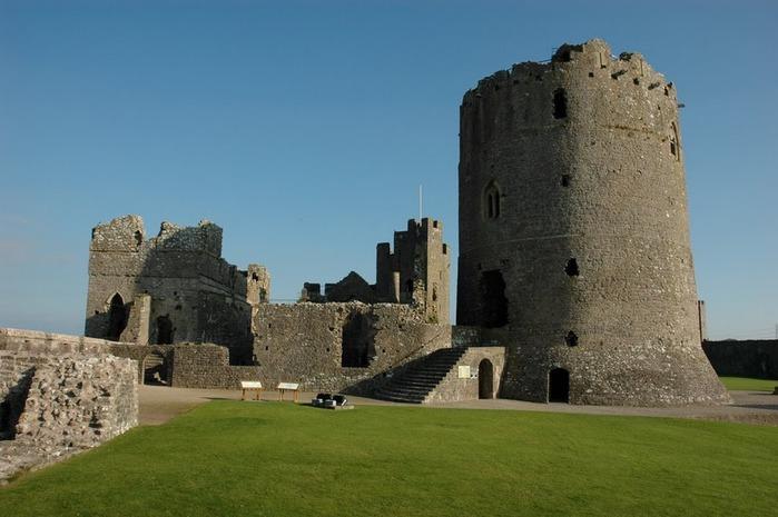 Замок Пембрук в Уэльсе 25201