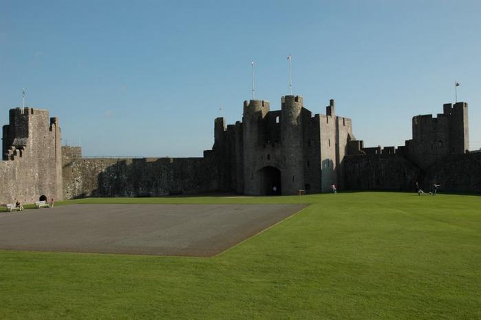 Замок Пембрук в Уэльсе 40768