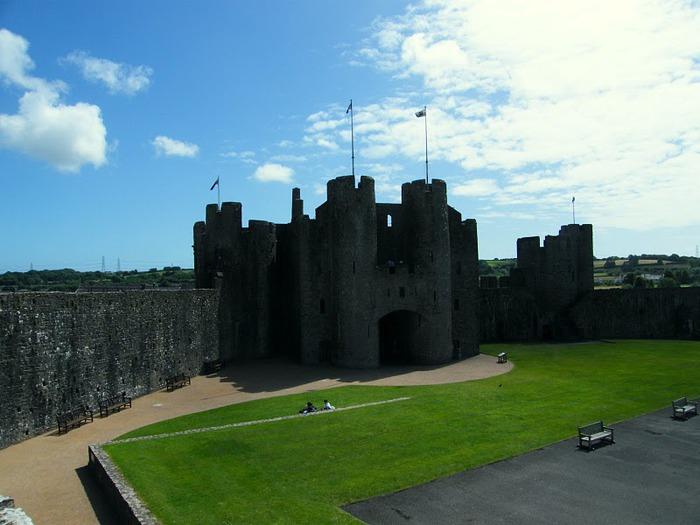 Замок Пембрук в Уэльсе 95862