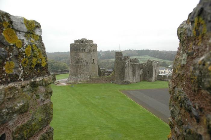 Замок Пембрук в Уэльсе 16281