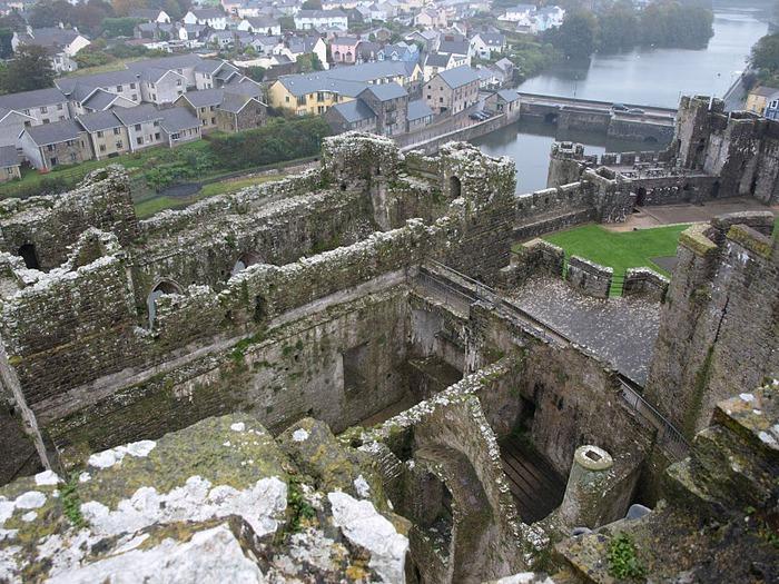 Замок Пембрук в Уэльсе 90792