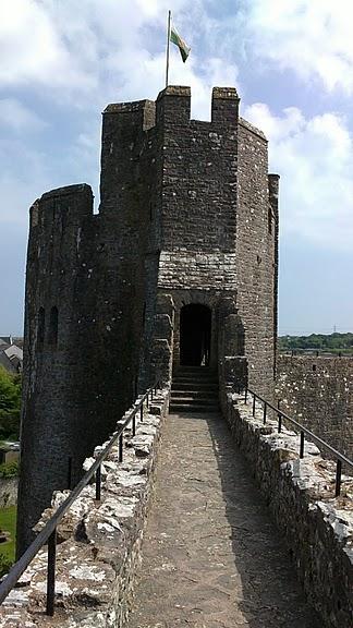 Замок Пембрук в Уэльсе 49700