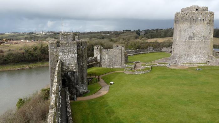 Замок Пембрук в Уэльсе 82841